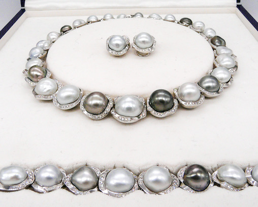 A pre-owned South Seas and Tahitian cultured pearl suite